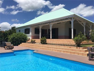 Villa avec vue mer sur 2500 m² de terrain