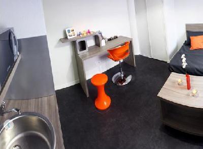 INVESTISSEMENT - Studio meublé 22,70 m²
