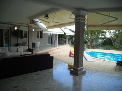 Villa 5 pièces 334 m2