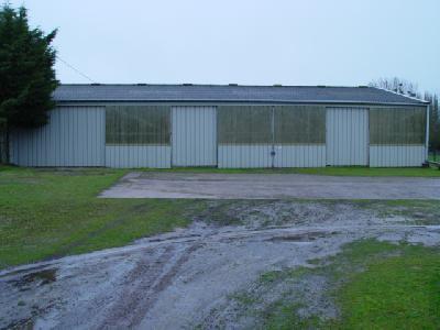 entrepot de stockage local hangar