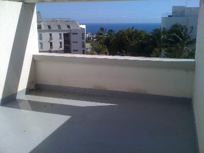 studio 24m2 + 14 m2 belle terrasse