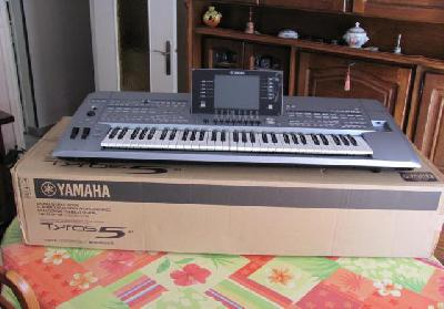 Clavier arrangeur Yamaha Tyros 5-61 touches