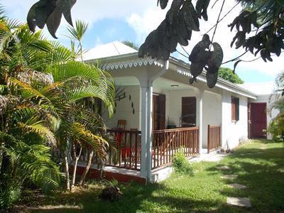 Villa f4 , 176m² sur terrain arboré de 680m²