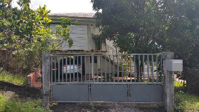 Vente d'une maison sur 2 niveaux dans un lotissement à Balata.