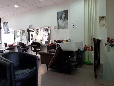Salon de coiffure 100m² proche la defense