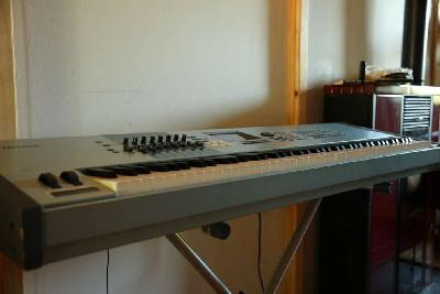 YAMAHA MOTIF XS8 PIANO synthetizer