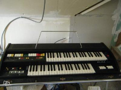VENDS ORGUE DOUBLE CLAVIER PORTATIF
