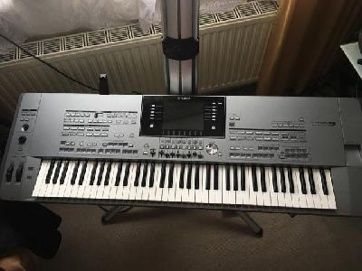 - Yamaha Tyros 5 Keyboard Workstation avec 76 touches