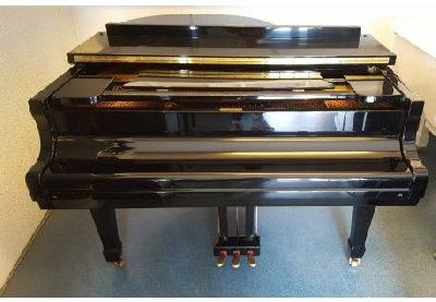 Piano à queue SCHULMANN SN176 noir brillant