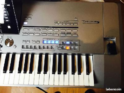 Clavier arrangeur/Yamaha Tyros 5 - 76 Touches TPS