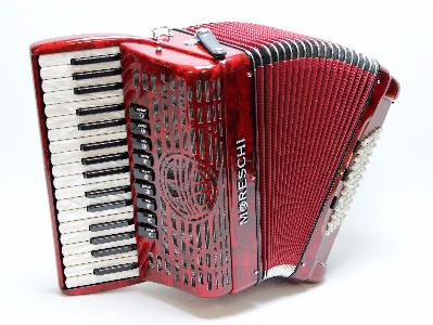 Accordéon MORESCHI Agile 34 IV,  RT. Super Léger! Artisanat Tradition d'Italie