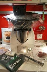 Thermomix TM5 + Des Livres + clef cook-key neuf