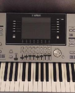 Clavier yamaha tyros 5/76 notes+ Facture