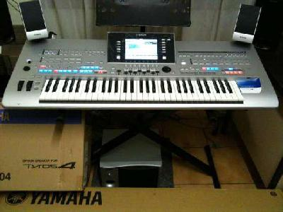 Yamaha Tyros4 61 touches Clavier