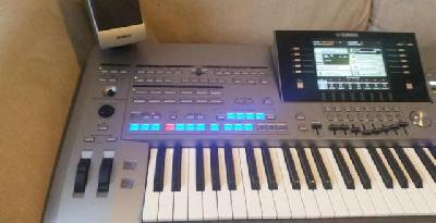 Yamaha Tyros 5 61 Inclus Mémoire flash FL1024