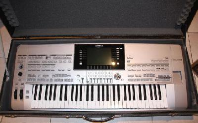 YAMAHA TYROS 5 61 notes