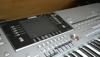 Tyros 5 Yamaha 76 touches