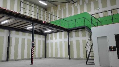 Entrepôt industriel Local professionnel Hangar de Stockage