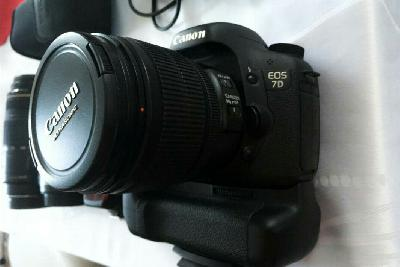 Canon 7D + kit 3 lenses + flash + Grip occasion