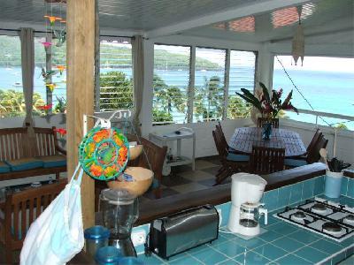 Maison à Grande Anse. Superbe vue de la Caraïbe, plage à 70 m.