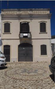 Maison à Alte-Algarve avec plusieurs rénovations.