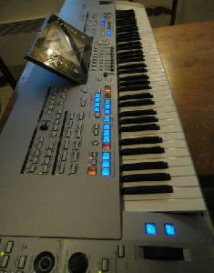 Yamaha tyros 5 76 touches