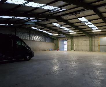 Garage sécurisé pour camping car, caravane