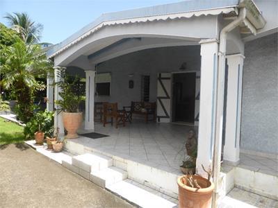 Maison P4 de 214 m² terrasses comprises