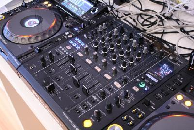 Pack pioneer cdj 2000 Nexus + Table mixage djm 900