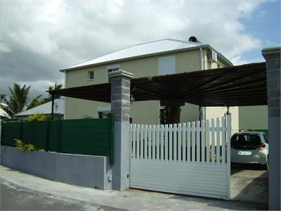 Maison villa F4 --saint François contre bon soins
