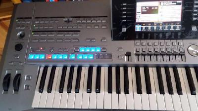 Yamaha Clavier Tyros 5-76 touches occasion
