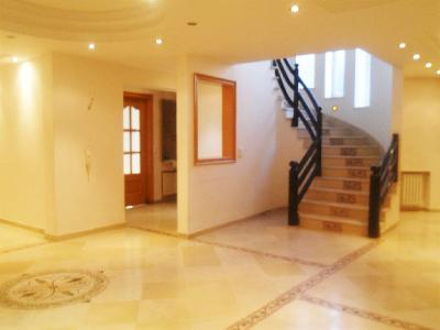 Luxueuse Villa THS à Cité Ennasr