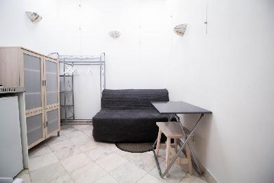 Studio MEUBLE de 10m² au rez-de-chaussée