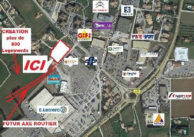 Exceptionnel Terrains en zone commerciale Hyper LECLERC au LE LUC 83340