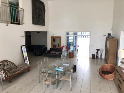 Villa Cayenne 6 pièce(s) 208 m2