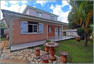 Villa T5 de style créole sur LE MARIN à louer
