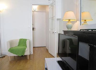 Studio meublé avec cheminée et concierge 7e arrondissement