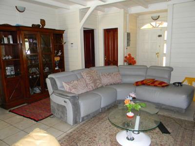 Villa F5 de 120 m2 sur terrain de 515 m2 avec piscine +mezzanine