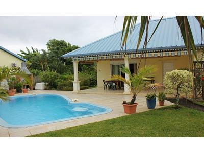Bras Panon belle villa F4 de 106m² avec piscine sur 590m² de terrain