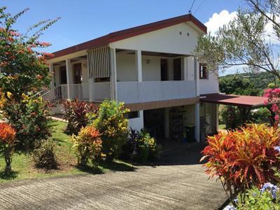Belle villa F5 à Petite-Île