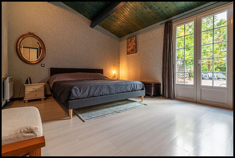 Maison 210 m2, 5 chambres + bureau, piscine