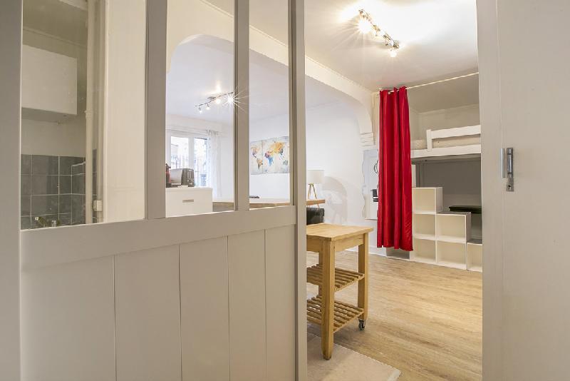 Studio à louer Bordeaux 31m2 650 € CC